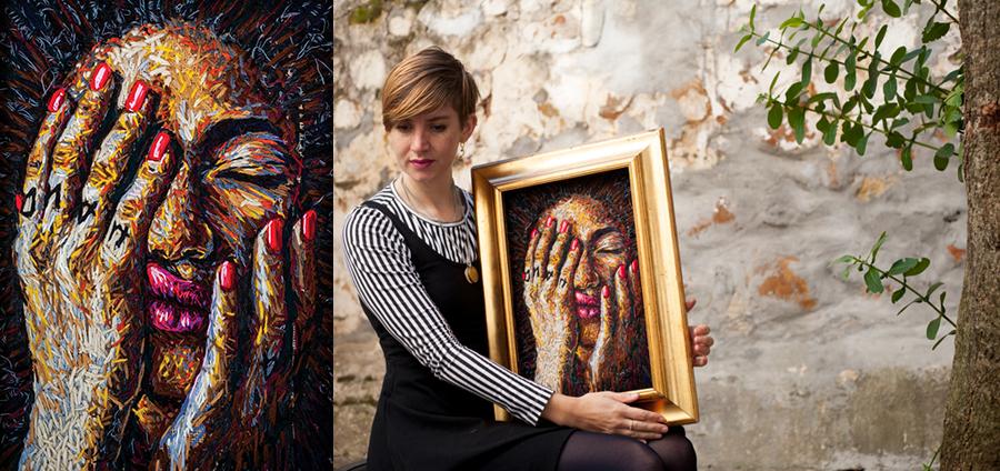 Dee e o retrato feito para a exposição Welcome to my Garden em 2015