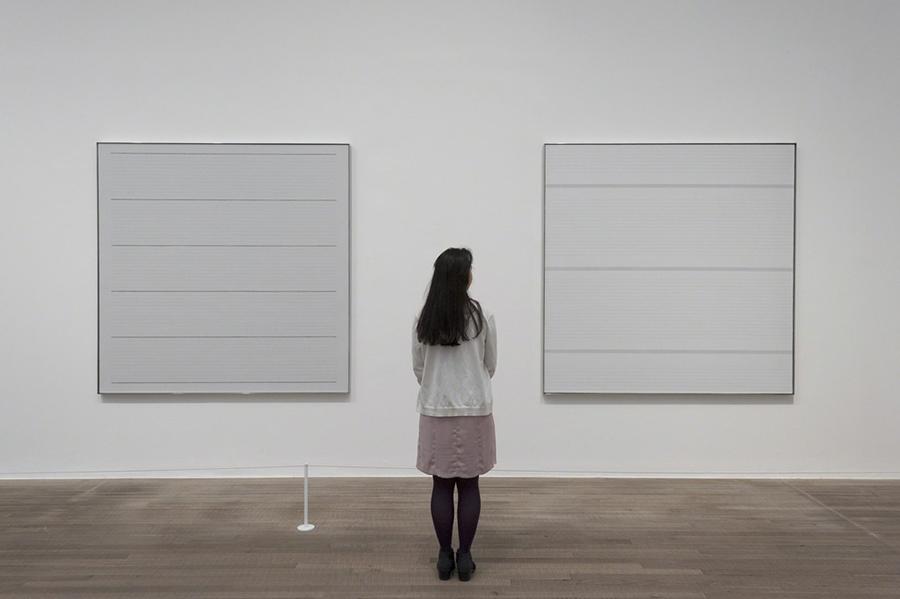 Obras de Agnes Martin no Tate